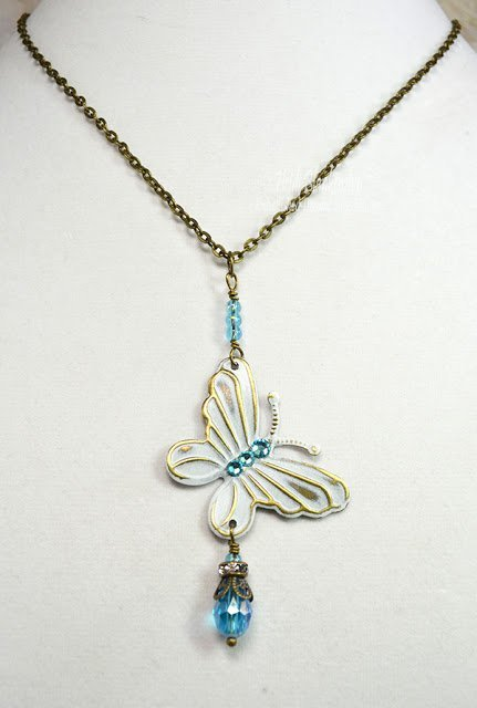 Butterfly-Beaded-Dangle-Necklace