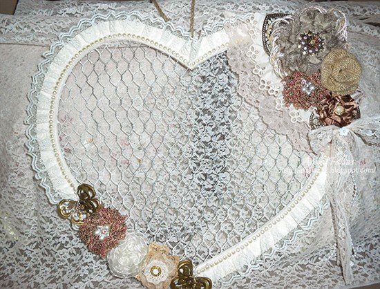 altered wooden and wire heart jewelry wall hanging