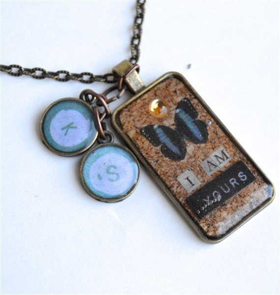 i-am-yours-bezel-pendant (570 x 600)