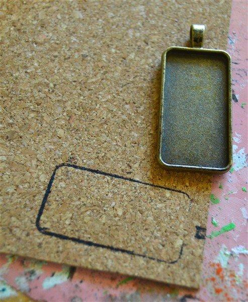 i-am-yours-bezel-pendant-process (493 x 600)
