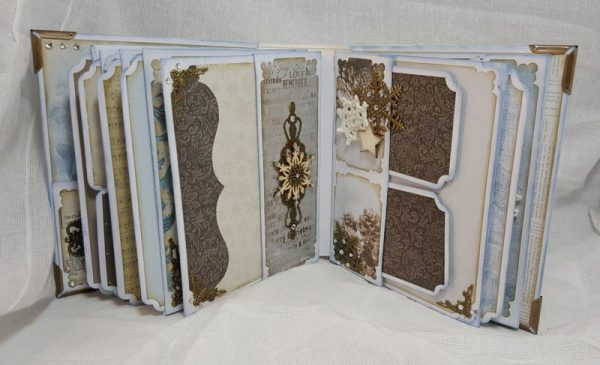 "Kaisercraft ""Frosted"" Mini Album CLASS"