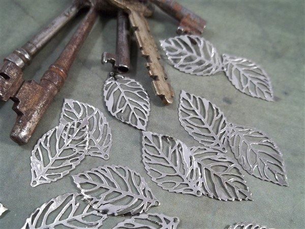 Small Skeleton Leaf Metal Filigree Embellishments (#670)