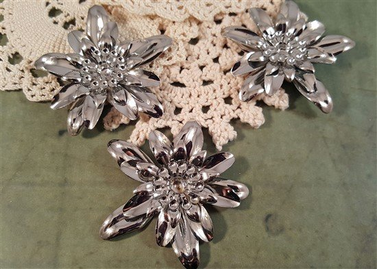Dimensional Flower Metal Filigree Embellishments (#7282)