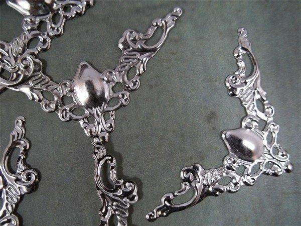 Medium Corner Metal Filigree Embellishment (#731)