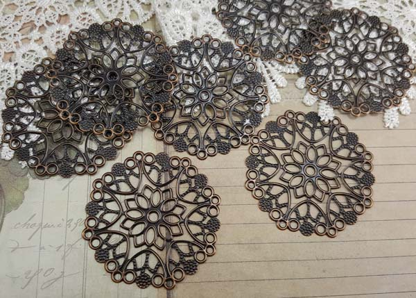 Round Metal Filigree Embellishments (#744)