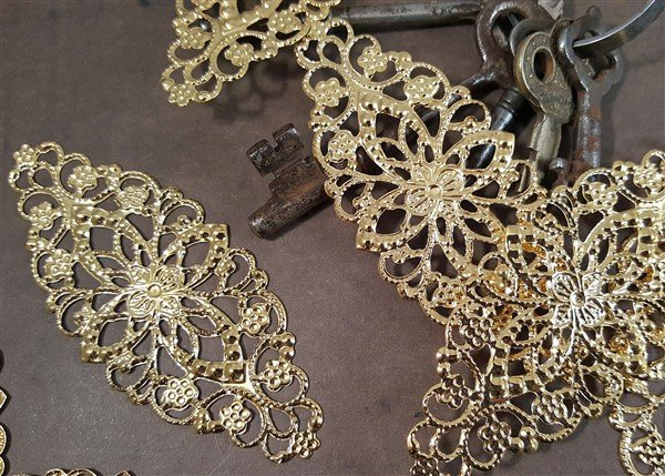 Oval Metal Filigree Embellishment (#806)